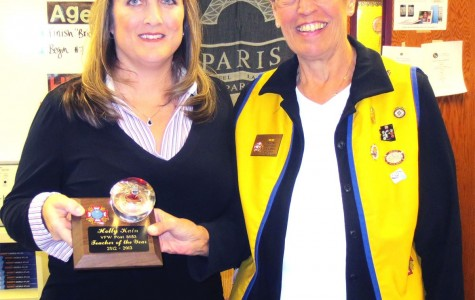 AP Human Geo Teacher Mrs. Kain Wins Award