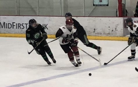 Huskies Hockey Suffers First Loss of the Season