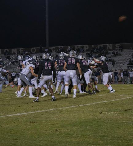 Huskies Football Defeats Higley, Will Face Chandler For the Battle of AZ Ave.