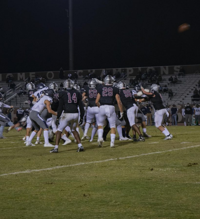 Huskies+Football+Defeats+Higley%2C+Will+Face+Chandler+For+the+Battle+of+AZ+Ave.