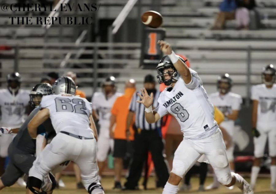 Nicco Marchiol with the pass against Highland