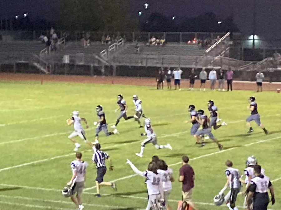JV Hamilton Football Huskies Dominate Desert Ridge Jaguars